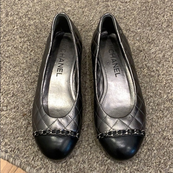 AUTHENTIC CHANEL QUILTED CAP TOE FLATS WITH CHAIN